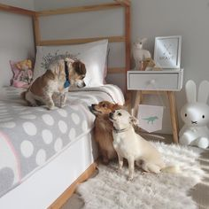 Girl's room in natural neutral colors. Faux fur rug from Ikea. #bunnyandfriend