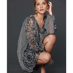 Tunikakleid von LUXURY in Grau mit entzückendem Print und lockerem Faltenfall. #fashion # impressionen