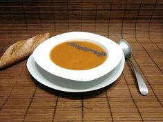 Sopa de marisco con semillas de amapola para el punto crunch. #gourmetbilbao