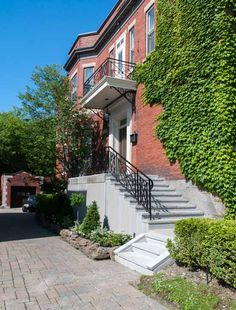 Réparation de balcon en béton Photos, Stairs, Construction, Mansions, House Styles, Home Decor, Building, Pictures, Stairway