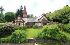 This Scottish cottage looks like it was lifted straight out of a fairytale http://spr.ly/6008BNxDC #Fairytale #Home #Magic #Cottage