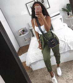 Trendy Casual Styles for the Ladies Today we are present to you some trendy collection of casual outfits which are beautiful which you can steal there styles while hanging with friends … Teenage Outfits, Teen Fashion Outfits, Swag Outfits, Mode Outfits, Cute Casual Outfits, Stylish Outfits, Girl Outfits, Womens Fashion, Elegantes Outfit Frau