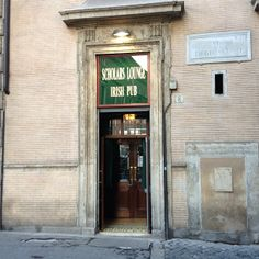 Scholars Lounge i Roma, Lazio  You can finde a irsh pub everywhere, and this is my favorite in Rome. (Because its open til 5 am)