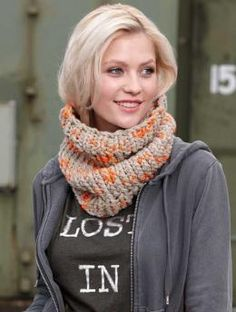 Free Ladies´Cowl pattern - This cowl is a quick and easy project for an evening in front of the TV...