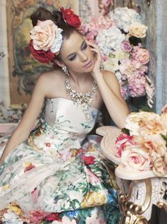 Fleur fashion: floral wedding gown