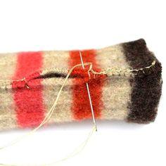 Final Seams, How to Make Felt Fingerless Gloves Crochet Gloves Pattern, Loom Knitting Patterns, Sewing Stitches, Hand Knitting, Knitting Tutorials, Knit Stitches, Hat Patterns, Stitch Patterns, Sewing Patterns