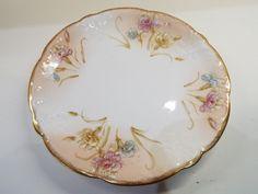 https://www.ebay.co.uk/itm/Vintage-Aynsley-Floral-Gilt-Cake-Plate-Dinner-Plate-Reg-No-255280/122933334044?hash=item1c9f65d01c:g:YD8AAOSwFMdaalEm