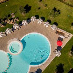 Pergola piscina piscinas de estilo clásico de san cristobal hnos constructora clásico   homify Classic Style, Saint Christopher, Design Ideas, Pools, Interior Design, Fotografia