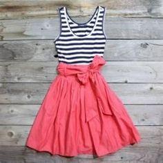 Cute dress for summer! :) love them stripes