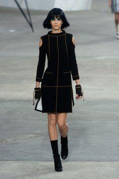 Défile Chanel Prêt-à-porter Printemps-été 2014 - Look 33