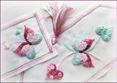 Nigar Hikmet, silk ribbon embriodery Pearl Embroidery, Tambour Embroidery, Silk Ribbon Embroidery, Embroidery Applique, Cross Stitch Embroidery, Embroidery Designs, Fabric Flower Tutorial, Fabric Flowers, Diy Butterfly