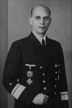 Hans Georg von Friedeburg (1895-1945), Admiral, Kommandieriender Admiral der Unterseeboote, Ritterkreuz des KVK mit Schwertern 17.01.1945
