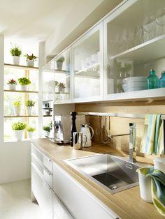 Fliederweiß | Ulme | Detail Küchenzeile