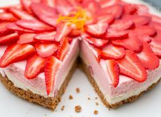 Strawberry and Vanilla Cheesecake. No-bake gluten-free Strawberry and Vanilla Cheesecake. Show stopping summer dessert for very little effort! Gluten Free Deserts, Gluten Free Sweets, Gluten Free Cakes, Dairy Free Recipes, Raw Food Recipes, Sweet Recipes, Baking Recipes, Dessert Recipes, Baking Ideas