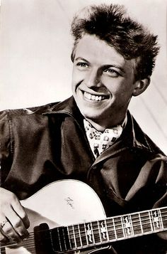 Tommy Steele OBE (born Thomas William Hicks, 17 December 1936) is an English entertainer, regarded as Britain's first teen idol and rock and roll star.