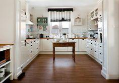 Hnědo bílá Kuchyně - InHaus