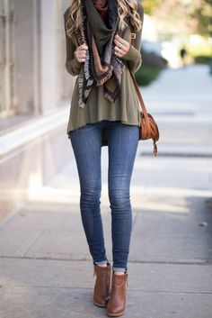 How to Wear a Fall Blanket Scarf
