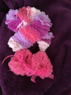 Baby girl scarf & booties set by DesignsBySunshineUK on Etsy