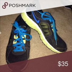 NIKE SPORTS SHOES Size 8 NIKE SPORTS SHOES  that are super comfy and in great condition! Nike Shoes Athletic Shoes