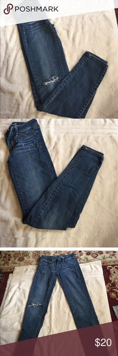 0 size American Eagle jeggings stretch/regular 0 size American Eagle jeggings stretch/regular w/ rip; 15% off bundle of 2 American Eagle Outfitters Jeans Skinny