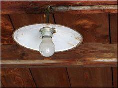 Vintage design régi lámpa Industrial Loft, Wabi Sabi, Rustic Furniture, Vintage Designs, Light Bulb, Diy, Home Decor, Decoration Home, Industrial Loft Apartment