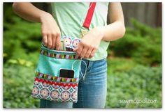 DIY: zipper crossbody purse