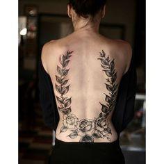 Idee tatouage du laurier dans le dos