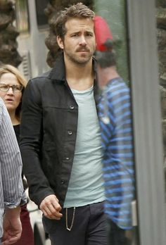 Ryan Reynolds got a special visit from his wife Blake Lively while filming scenes for Mississippi Grind in New Orleans