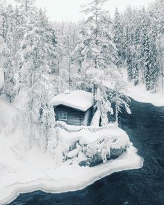 """83.9 k gilla-markeringar, 620 kommentarer - Konsta Punkka (@kpunkka) på Instagram: """"~ Private cabin on the side of Kitka river. What a perfect place to enjoy those cozy winter days."""" Snow Scenes, Winter Scenes, Alaska, Lapland Finland, Good Vibe, Winter Magic, Cabins And Cottages, Tiny Cabins, Winter Time"""