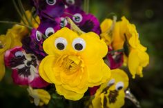 Alice in Wonderland Tea Party Bridal Shower. Flowers with googly eyes.