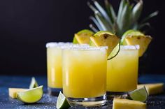 23 Margarita Recipes for Cinco de Mayo! Margaritas are the most amazing combination of sweet and salty. Margarita Drink, Pineapple Margarita, Margarita Recipes, Pineapple Juice, Cocktail Recipes, Cocktail Drinks, Party Drinks, Drink Recipes, Milk Shakes