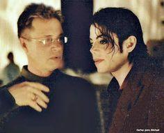 Cartas para Michael: Blood on the Dance Floor Michael Jackson, King Of Music, Mj, Scream, Blood, Mens Sunglasses, Men's Sunglasses