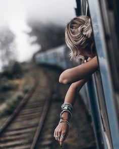 Mikuta - Sri Lanka - Train from Ella To Kandy - #mikutatravels