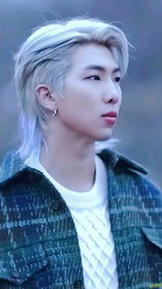 RM has long hair Kim Namjoon, Bts Taehyung, Bts Bangtan Boy, Bts Jimin, Jung Hoseok, Mixtape, Foto Bts, Jikook, Foto Rap Monster Bts