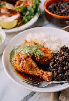 Peruvian chicken with black beans and green sauce Peruvian Cuisine, Peruvian Recipes, Peruvian Dishes, Peruvian Chicken, Stuffed Whole Chicken, International Recipes, So Little Time, Chicken Recipes, Chicken Meals