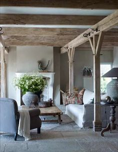 How to create belgian style interiors: pre-loved pieces (modern Country Style Living Room, Modern Country Style, Country Dining Rooms, Country Style Homes, Country Furniture, Country Decor, French Country Cottage, Cottage Chic, Country Kitchen Flooring