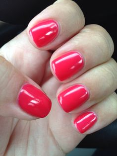 CND shellac lobster roll, the perfect pinky-orangey-reddy colour with a high-shine jelly finish!