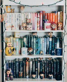bookselfs, clothing, and more for fandoms happy fanning aka pinning Theme Harry Potter, Harry Potter Room, Tumblr Bookshelf, Funko Pop Display, Bookshelf Inspiration, Bookshelves In Bedroom, Bookcase, Dream Library, Dream Book