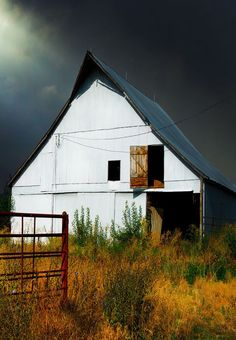 Barn before the storm.