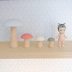 set de champignons en bois
