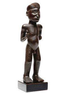 A Chokwe figure Wood - 43 cm Angola