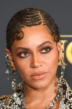 All Hail the Queen — Beyoncé Stuns in Braided Finger Waves at the Lion King Premiere - Modern Afro Hairstyles, Vintage Hairstyles, Beyonce Hairstyles, Kelis Hair, Straight Back Cornrows, Beyonce Braids, Beyonce Coachella, Finger Wave Hair, Finger Waves Natural Hair