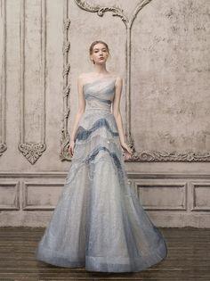 Bridal Fashion Week, Beautiful Gowns, Bridal Collection, Look Fashion, Pretty Dresses, Designer Dresses, Ball Gowns, Evening Dresses, Fashion Dresses