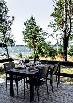 The beautiful pared-back Finnish cabin of Johanna Lehtanen. Krista Keltanen