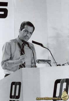 Adolfo Suárez, primer presidente de la democracia española - Obra - ARTEHISTORIA V2