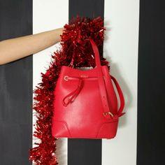 Christmas in love... 😍❤️ 🎄 Secchiello Stacy 🔛riccishop.it  #furla #regalidinatale #gift #present #christmas #christmastime #christmas2016 #borsa #secchiello #red #redpassion #love #shoponline #shopping #shoppingonline #girl #donna #ragazza #followforfollow #followback #followus #negozioscarpe #negozioborse #multibrand #venafro #isernia #molise #cassino