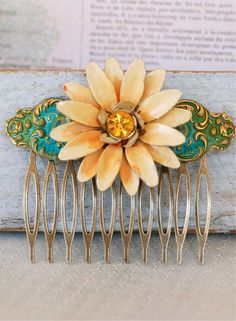 Bohemian daisy statement hair comb