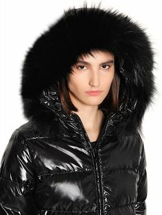 Nylons, Fur Jacket, Bomber Jacket, Elegantes Outfit, Luxury Shop, Down Coat, Fur Trim, Winter Jackets, How To Wear