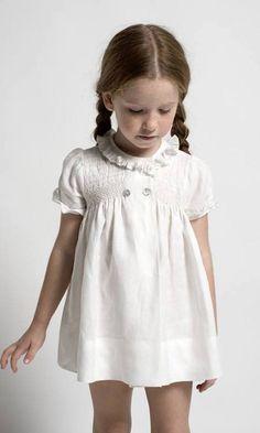 Buenos días, hoy os traigo una marca muy interesante, Sainte Claire moda infantil primavera verano. Es una marca de la que ya os he...
