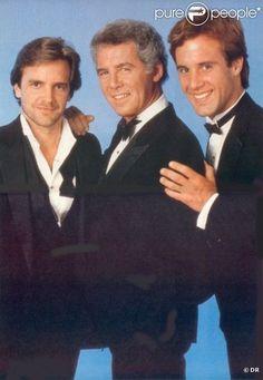 PHOTOS - C.C Capwell et ses fils Ted et Mason dans le soap-opera culte Santa…